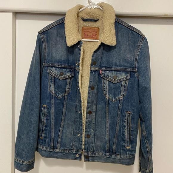Levi's Sherpa lined jacket